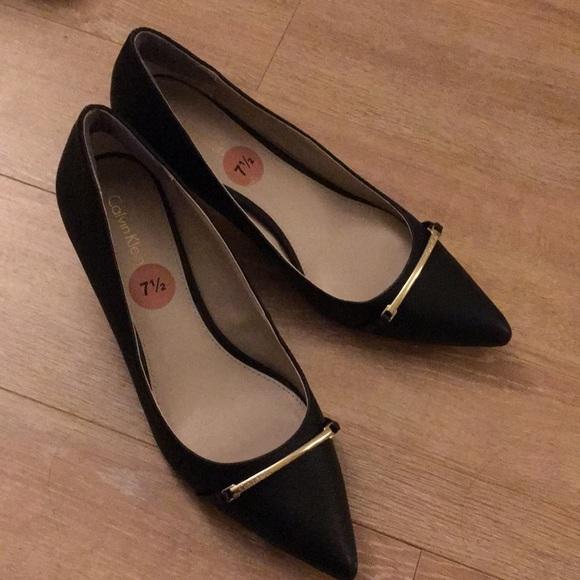 900e774707 ... heels pointed toes 7.5. Calvin Klein. M_5c4806f4f63eea2ddab99b16.  M_5c48070145c8b31da9d927ee. M_5c480752bb761578438c93c2.  M_5c48088403087c2f7fb689bf